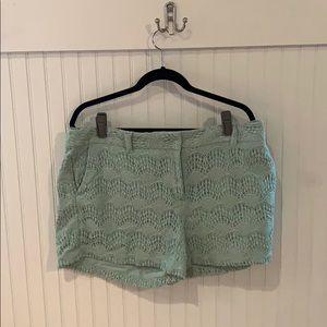 Mint green scalloped pattern lace shorts